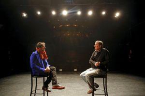 Encuentro entre los poetas Luis García Montero y Antonio Lucas, en la sala Mirador