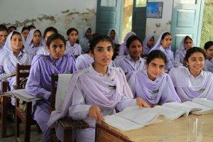 Una clase femenina en Pakistán