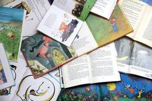 Madres británicas declaran la guerra al sexismo en la literatura infantil