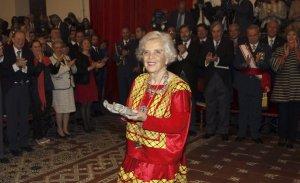 Elena Poniatowska en la ceremonia de entrega del premio Cervantes