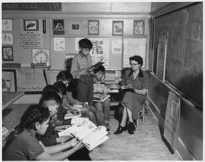Una clase en Estados Unidos en los años 1940