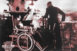Lilli Palmer y Albert Lieven en un fotograma de la película dirigida por Maurice Elvey (1946)