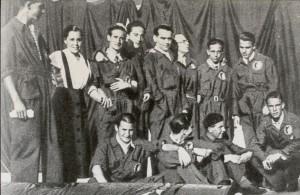 Federico García Lorca junto a sus compañeros de «La Barraca», el teatro de la FUE que él dirigía