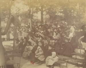 Eugène Atget – Théâtre de Guignol au Jardin du Luxembourg (finales del S. XIX)
