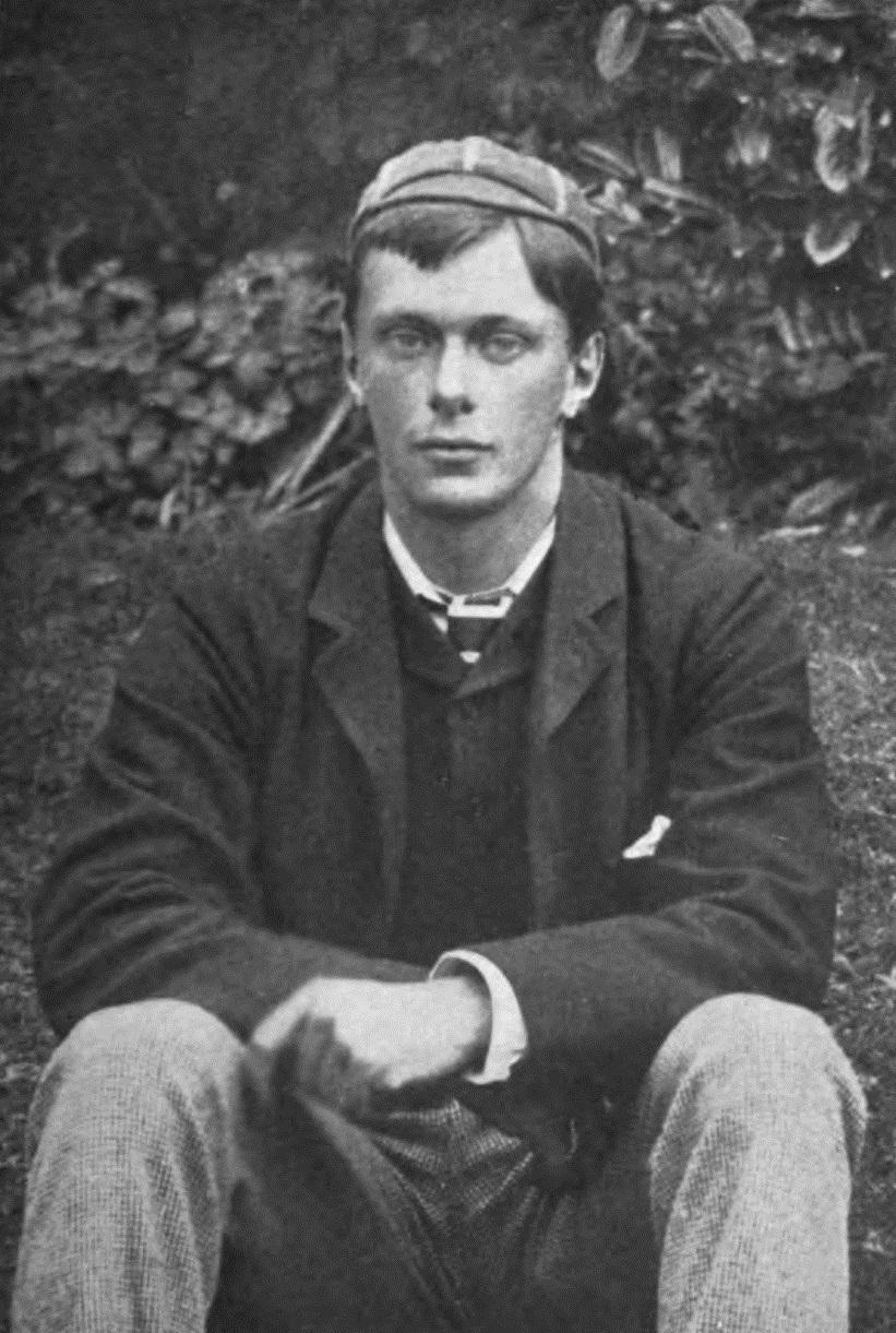 Edward_Frederic_Benson,_age_19