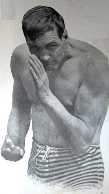Arthur_Cravan_boxing_02